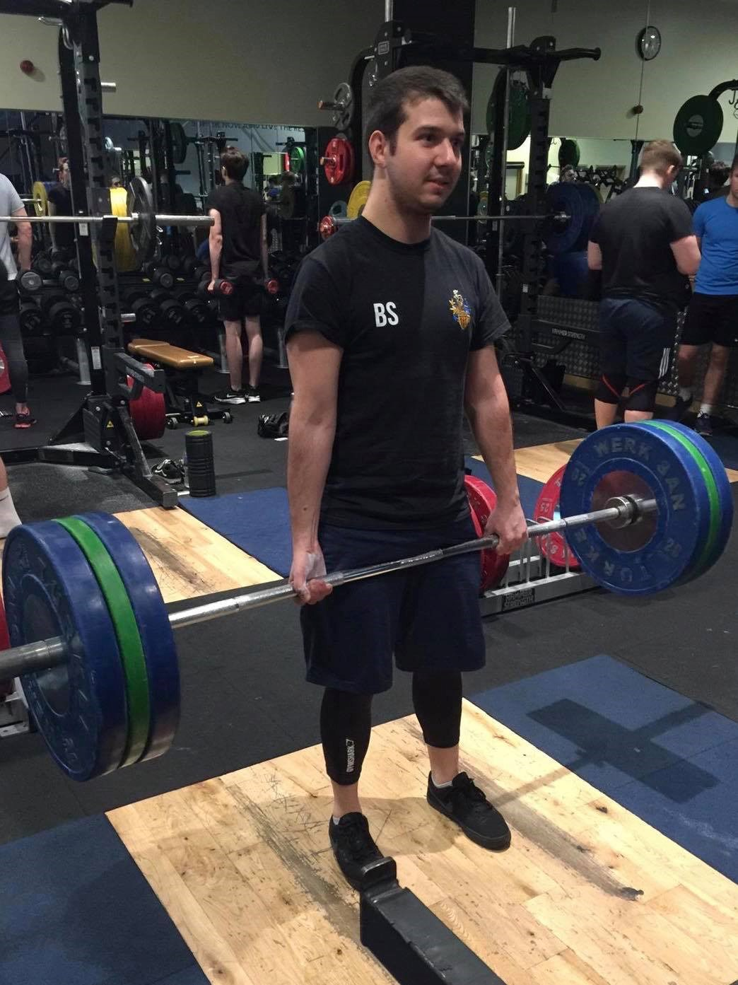 Boran in a gym powerlifting