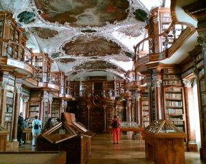 Stiftsbibliothek St. Gallen Credit: chippee