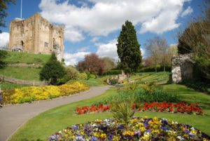 guildford-castle-grounds-gardens-862x577